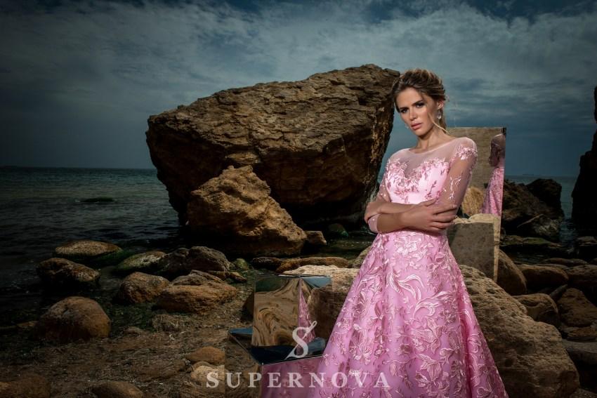 Вечернее гипюровое платье А-силуэта-2