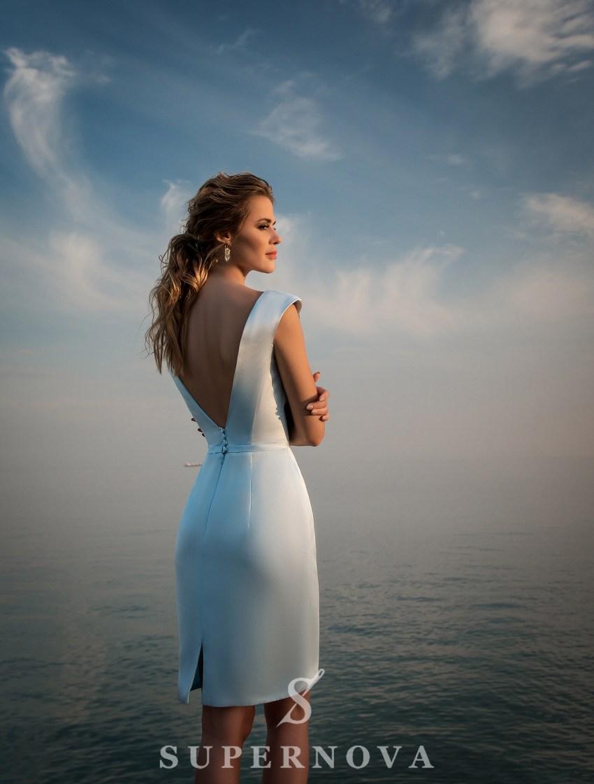 Вечірня сукня з прямою спідницею з атласу-4