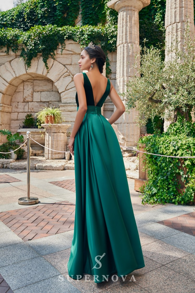 A one-color satin evening dress from the  Super Nova company.-4