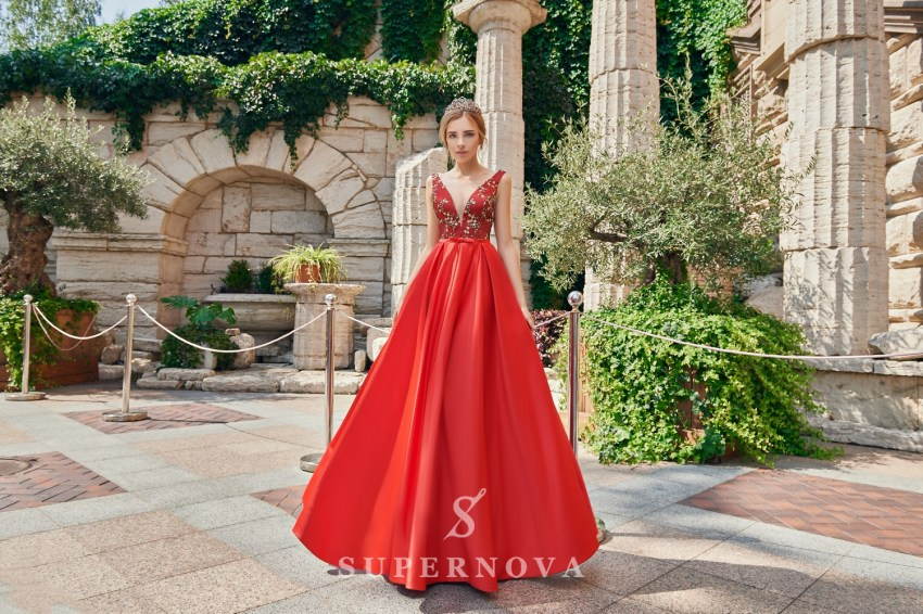 The satin evening dress on wholesale from the Super Nova. brand. VN-025