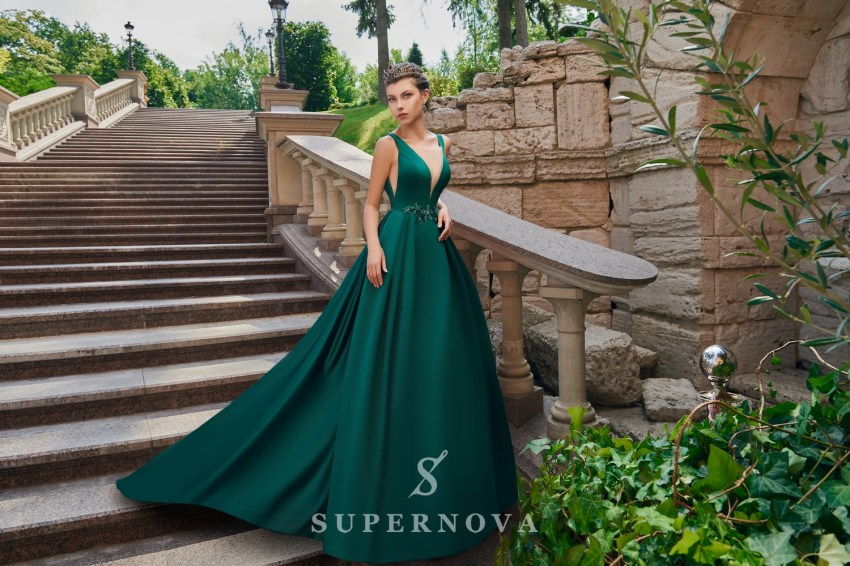 Satin evening dress with train on wholesale from the Super Nova. manufacturer. VN-027