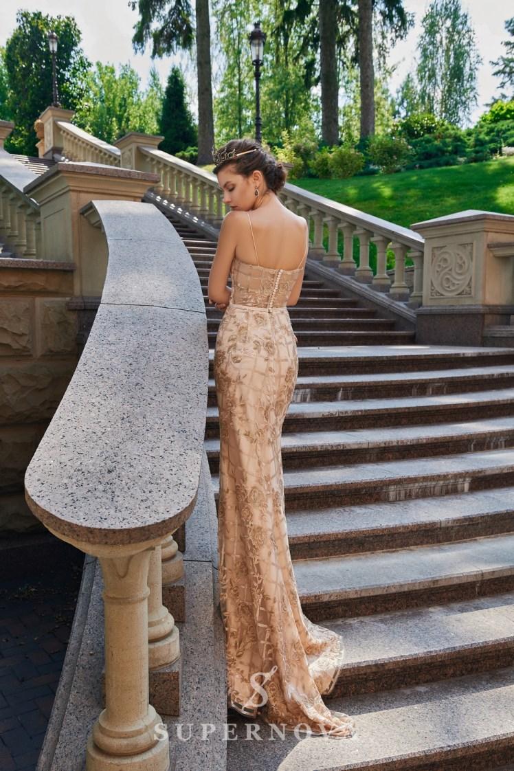 Приталена вечірня сукня з гіпюру, розшитого паєтками оптом від Super Nova.-5