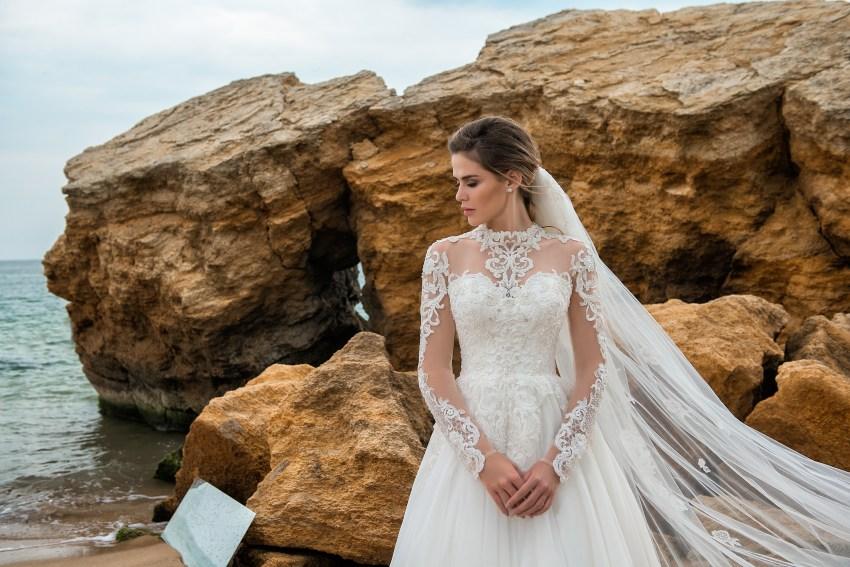 Wedding dress on a yoke with long sleeves-5