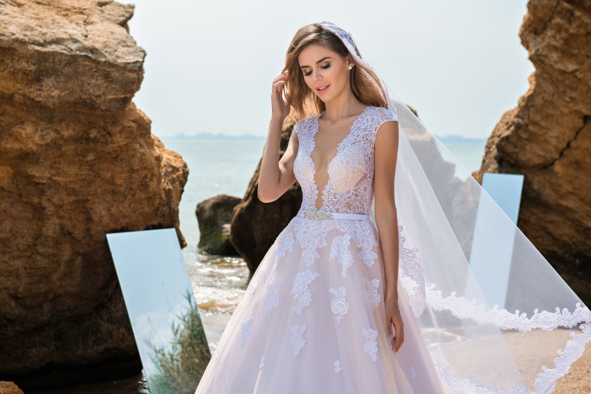 Wedding dress with soft bodice and puffy skirt-4