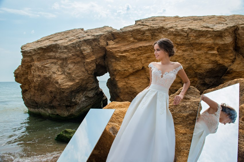 Wedding dress with bodice on a yoke-4