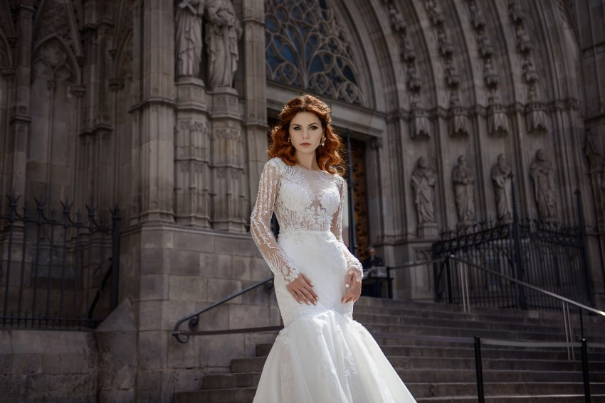 "Wedding dress  with ""fish"" silhouette  from SuperNova wholesale-4"