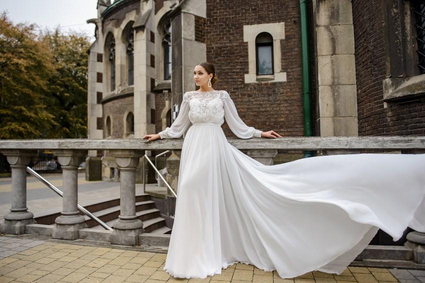 Свадебный комплект из атласного платья и накидки оптом от SuperNova-2