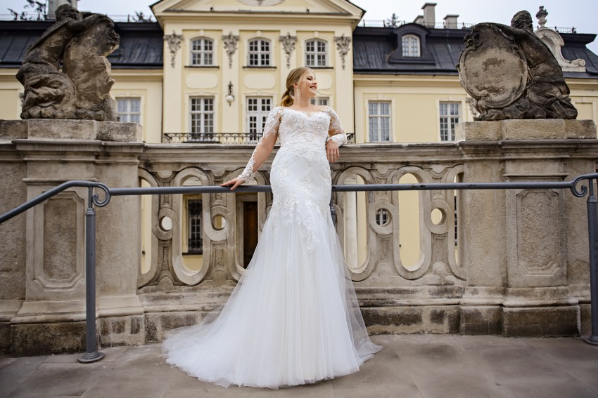 Plus size wedding dress in godet style on wholesale from SuperNova company-4