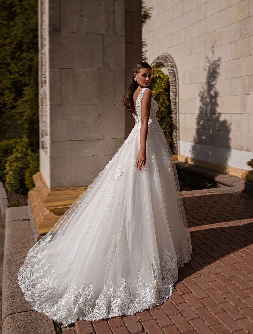 Beautiful wedding dress-8