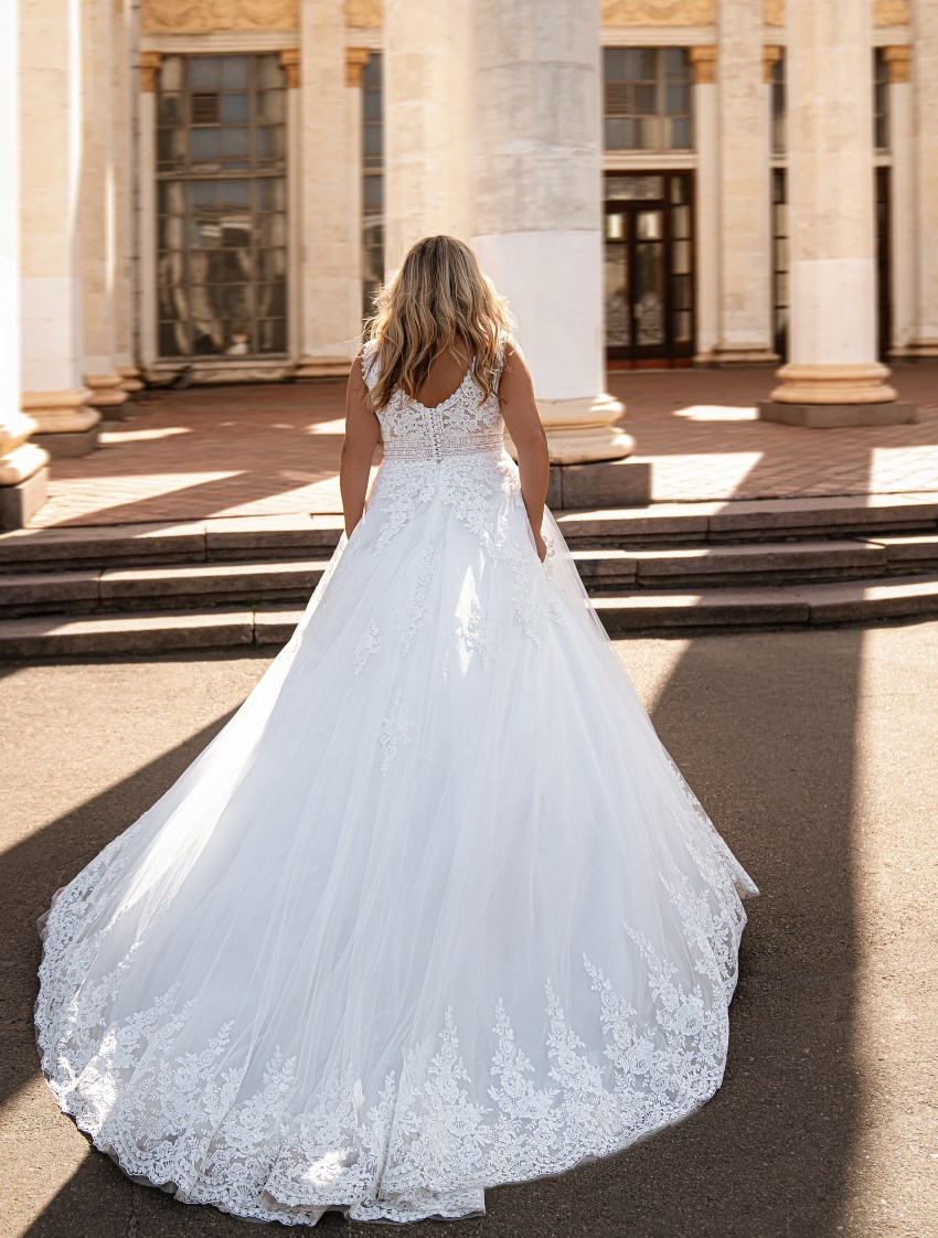 Beautiful wedding dress-12