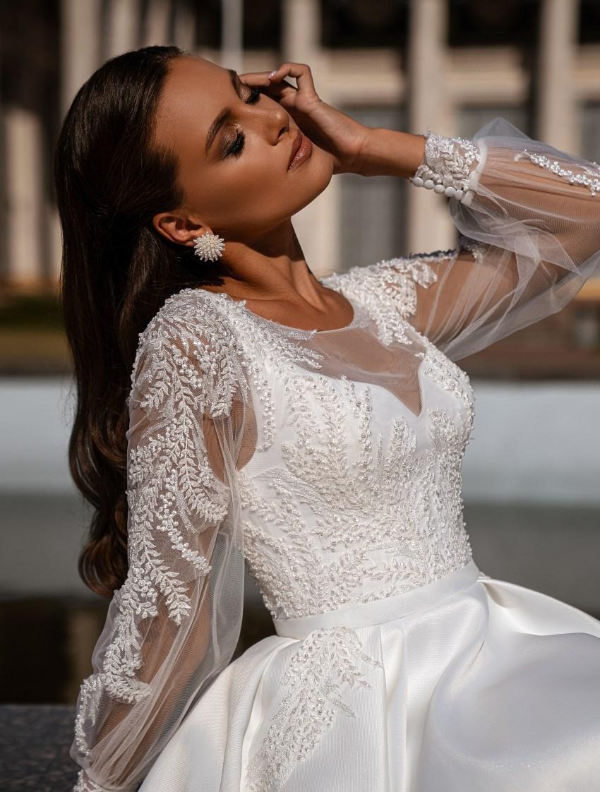 Мінімалістична весільна сукня-9