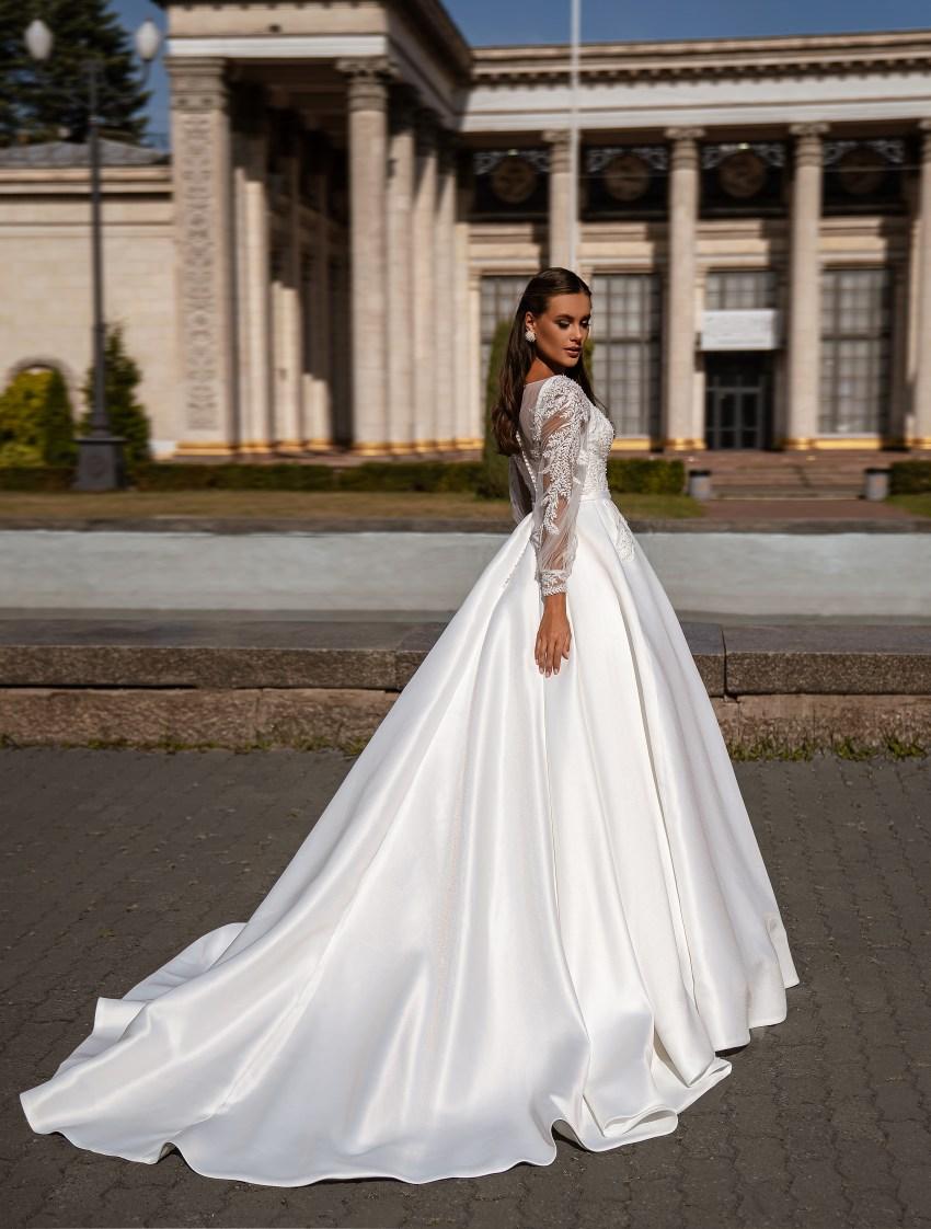 Мінімалістична весільна сукня-11