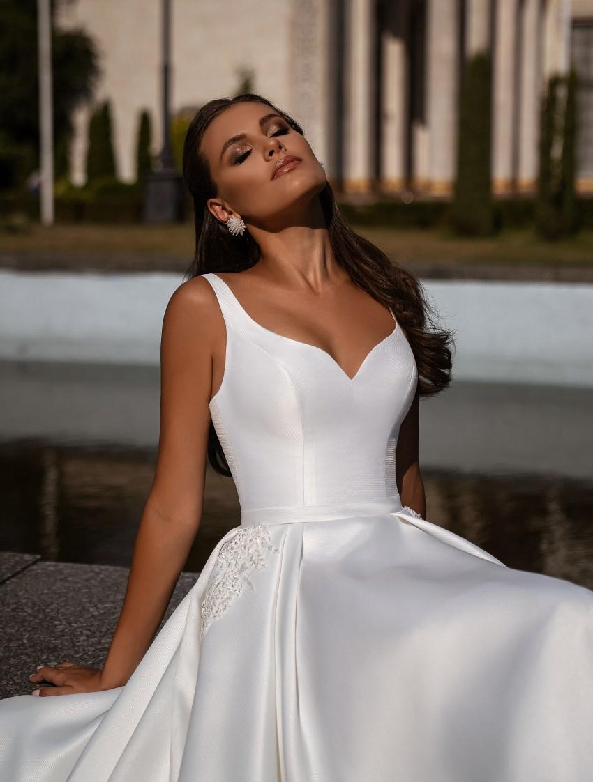 Мінімалістична весільна сукня-12
