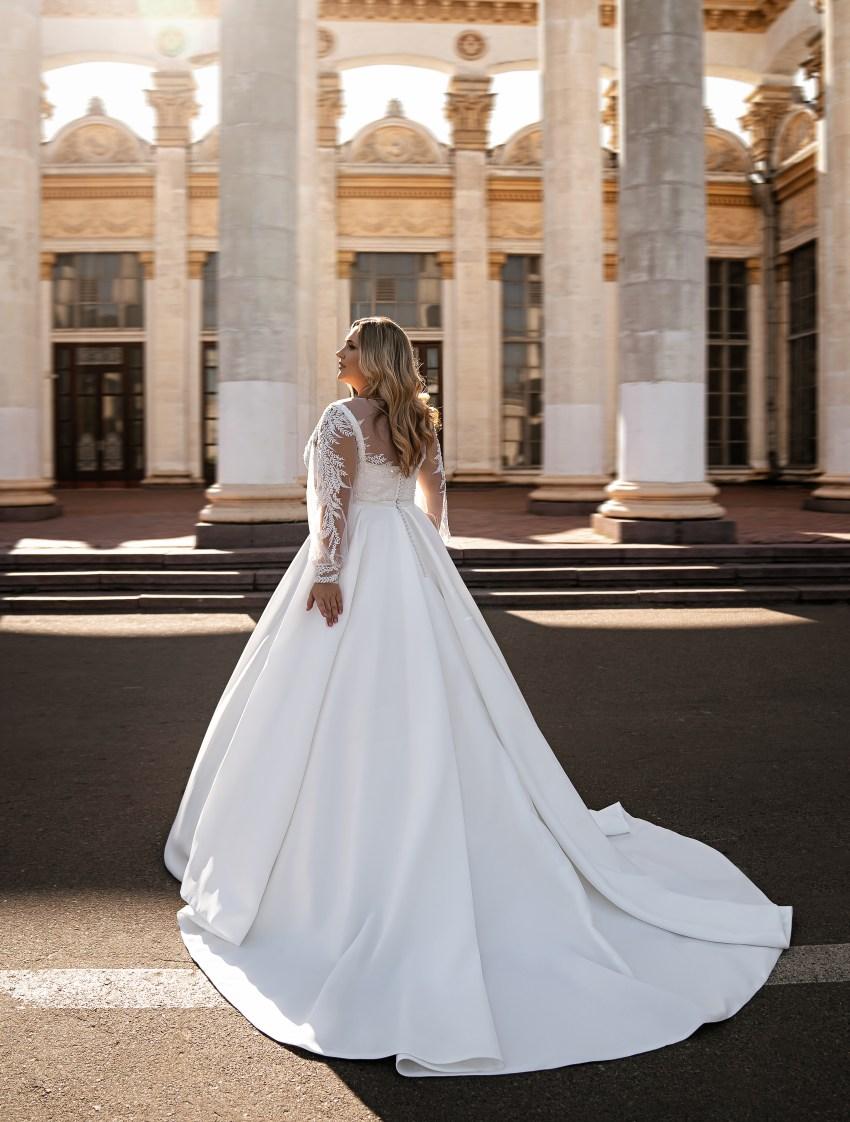 Мінімалістична весільна сукня-15