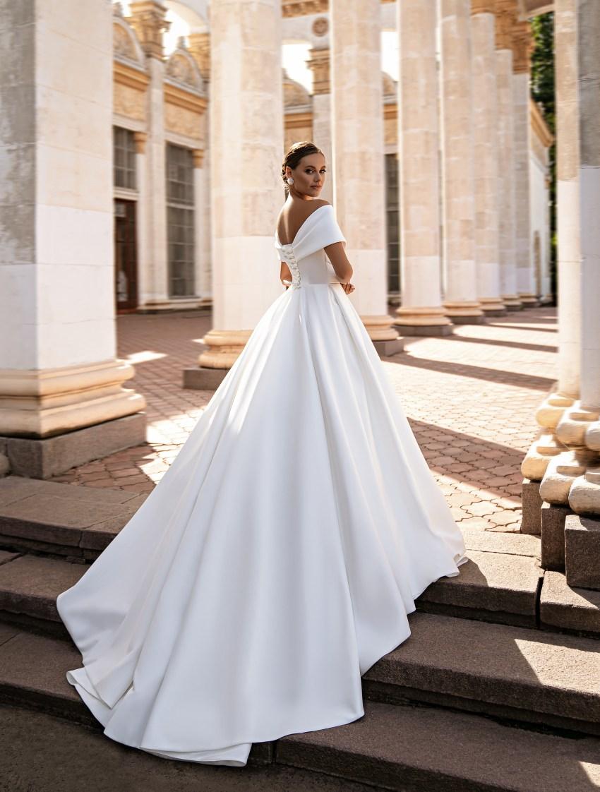 Rochie de mireasă minimalistă-8