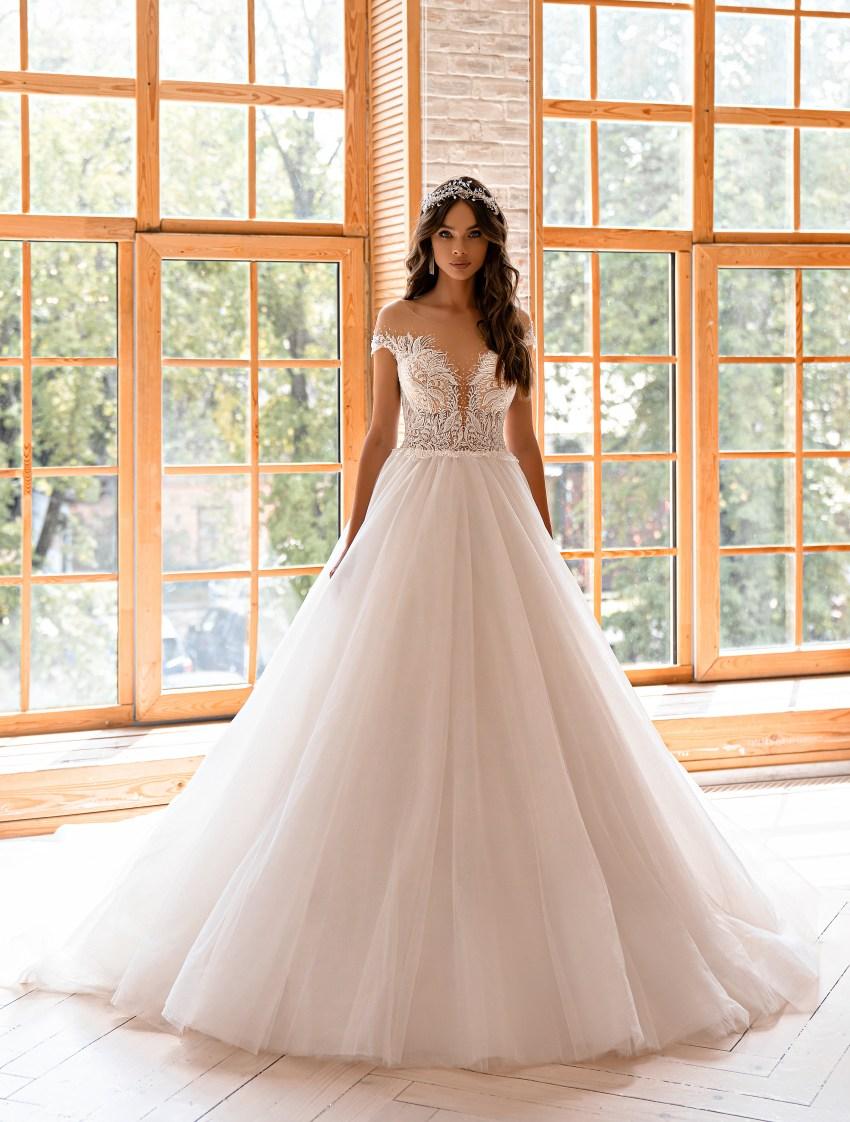 Свадебное платье в стиле принцесса-4