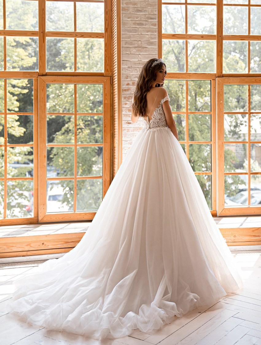 Свадебное платье в стиле принцесса-5