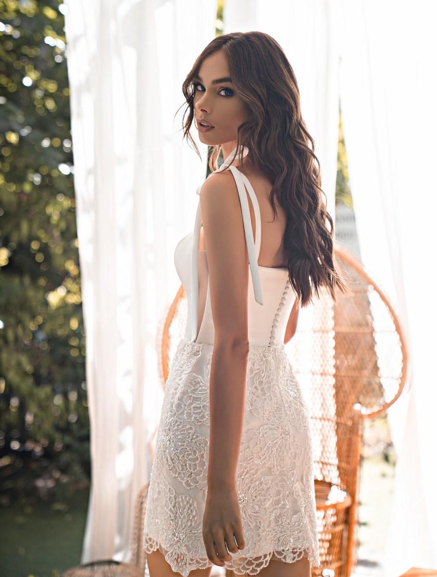 Коротке весільне плаття-8