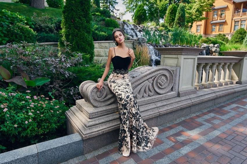 Оригинальное облегающее контрастное вечернее платье от SuperNova.-5