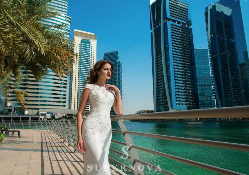 Свадебное платье со спущенными плечами-2