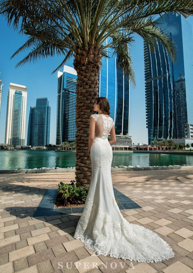Свадебное платье со спущенными плечами-3