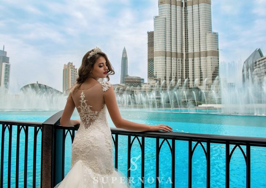 Весільна сукня зі шлейфом-2