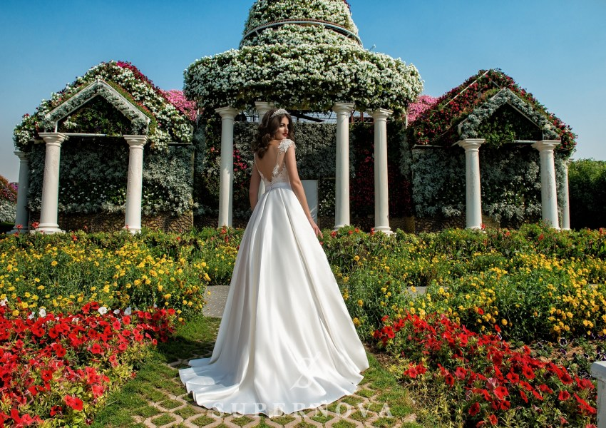 Wedding dress with appliques-2
