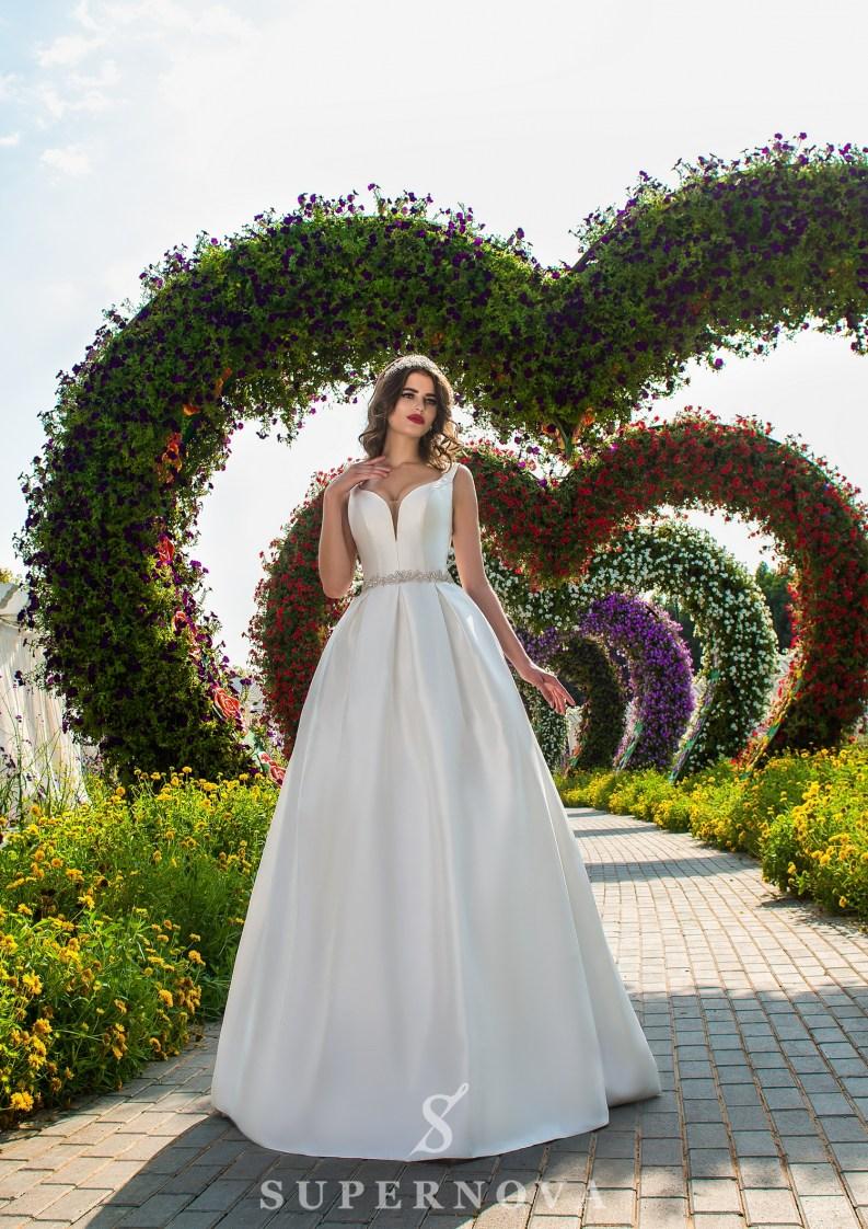 Свадебное платье на бретелях-2