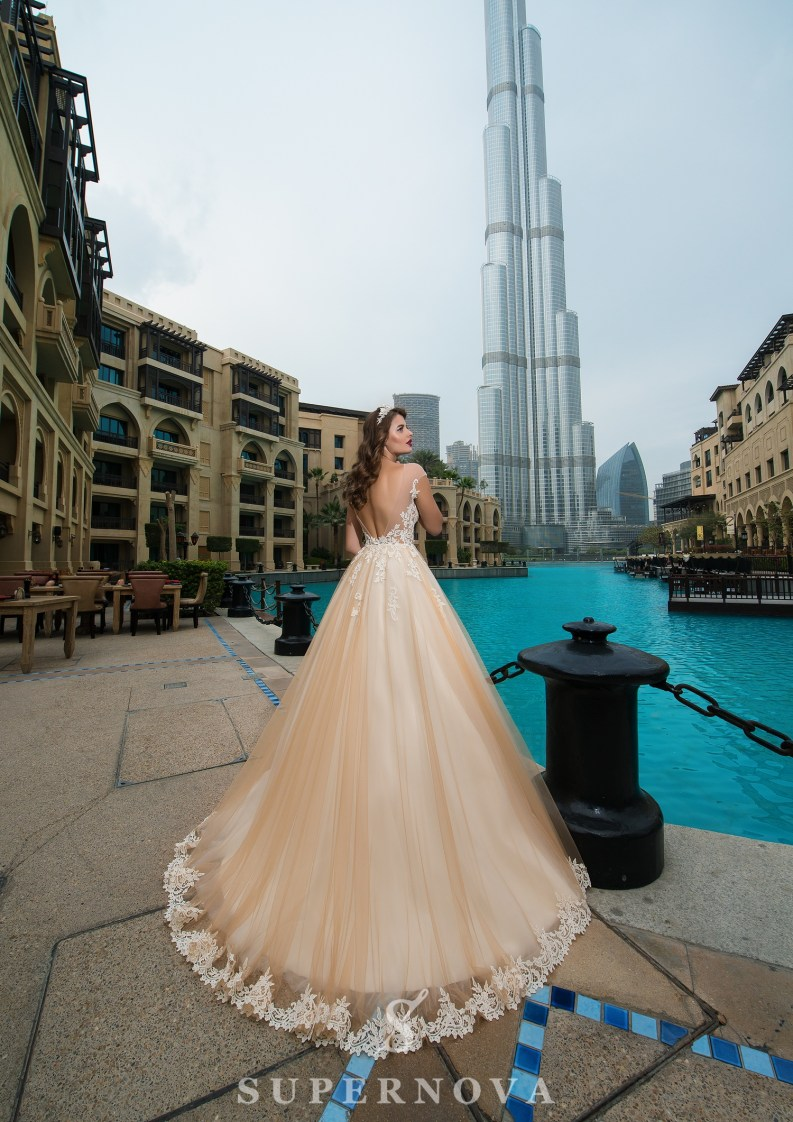 Свадебное платье с прозрачным лифом-3