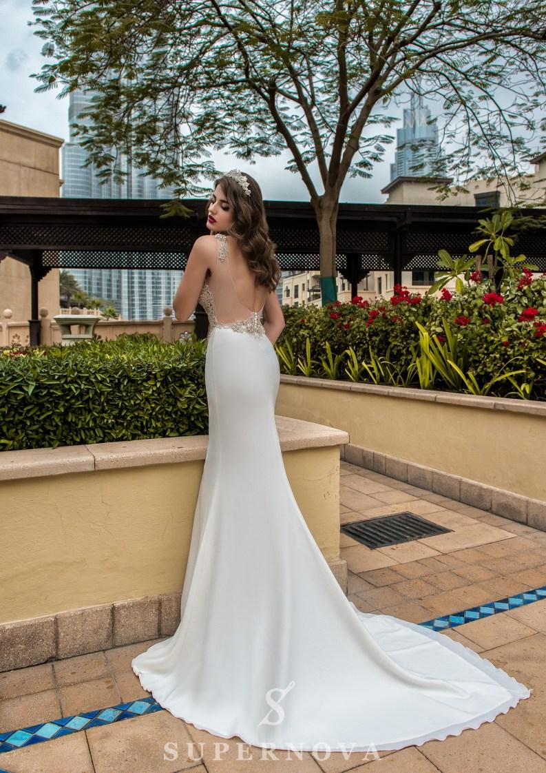 Deep neckline wedding dress-4