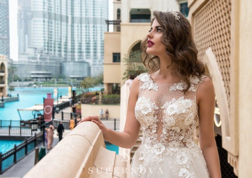 Свадебное платье с «3D» аппликациями-2