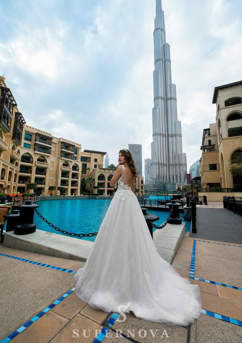 Свадебное платье с «3D» аппликациями-4