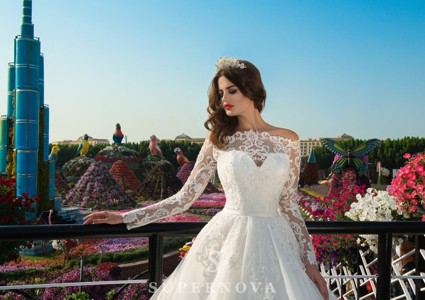 Guipure cord wedding dress-1