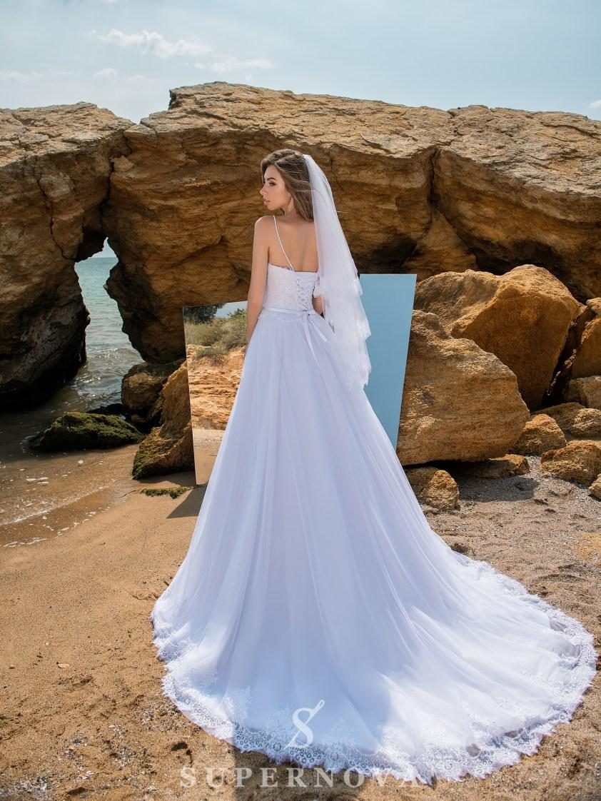 Весільна сукня на тонких бретелях-3