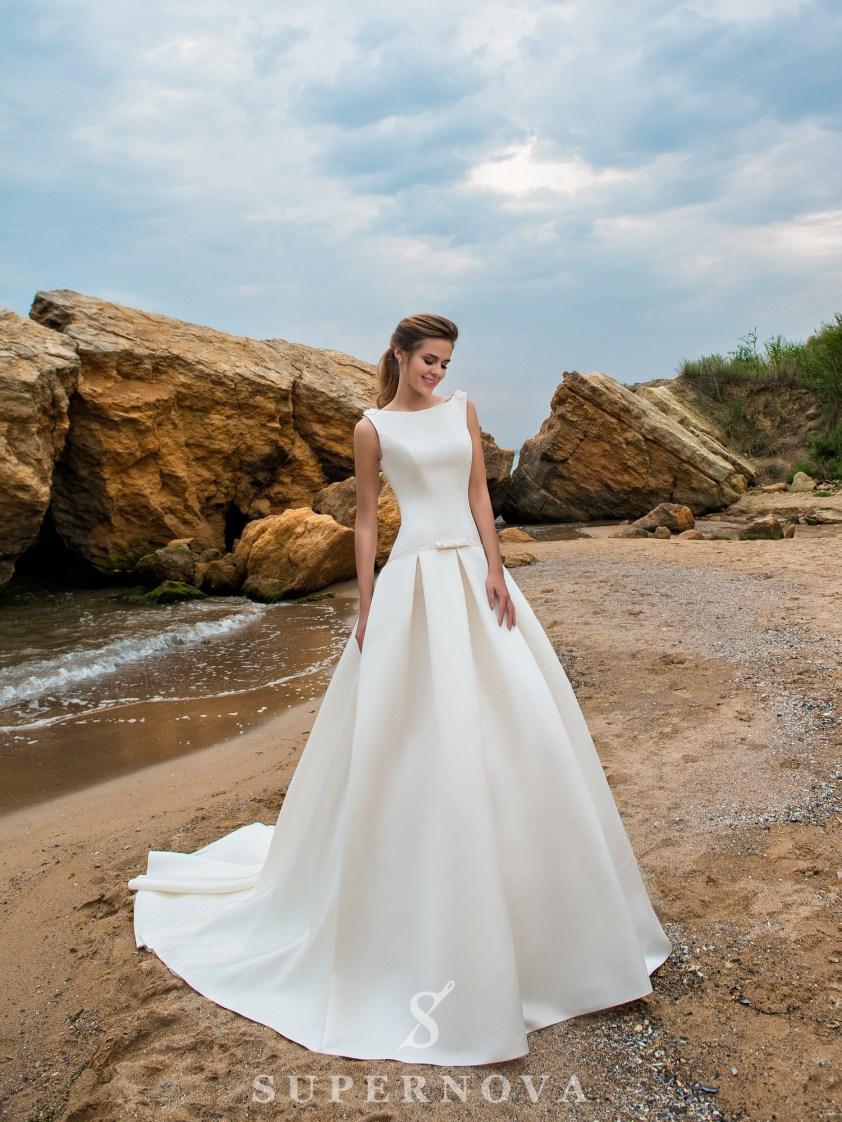 Wedding dress with an elongated corset and train skirt-2