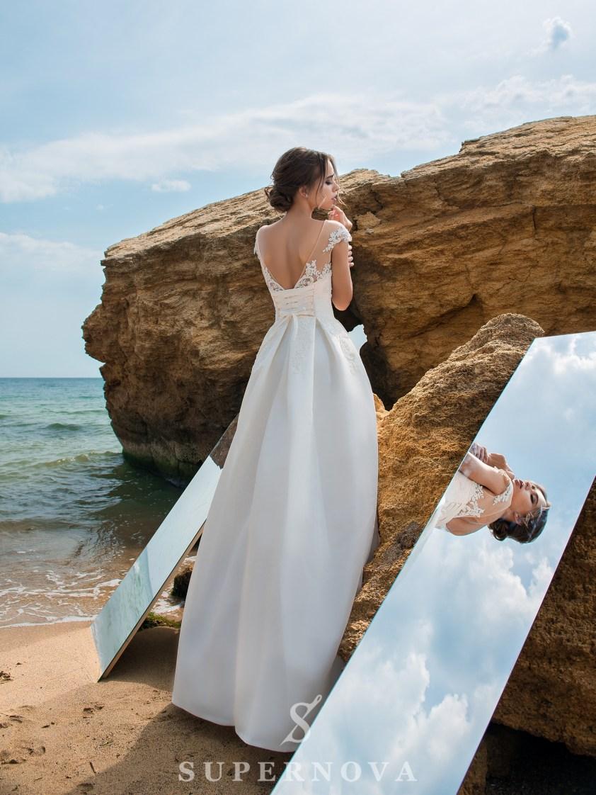 Rochie de mireasă cu corset pe cochetă-3