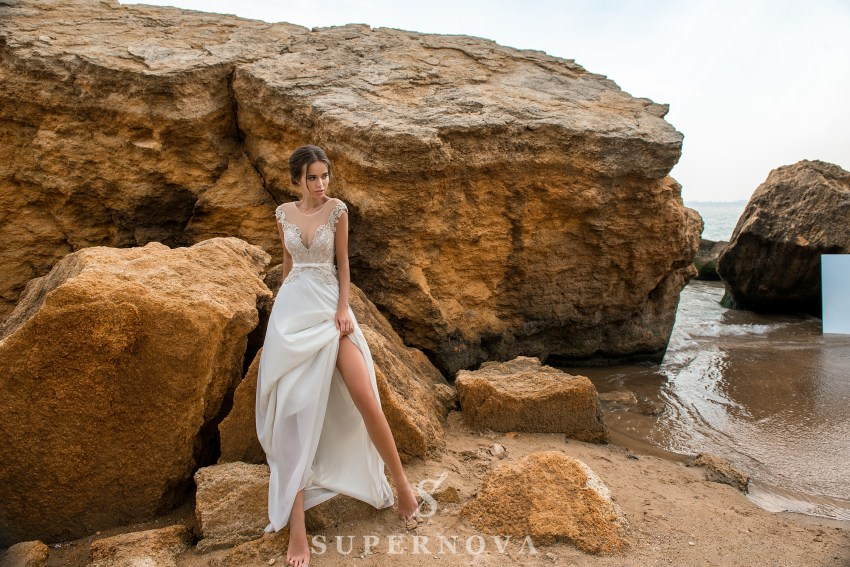 Свадебное платье с коротким лифом на кокетке-1