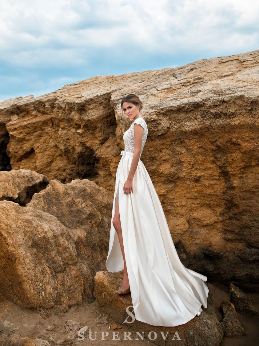 Короткое гипюровое свадебное платье-2