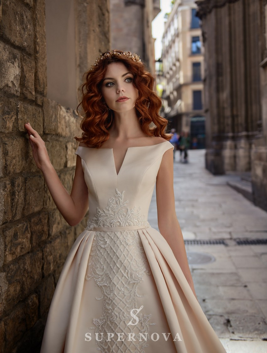 Атласна кремова весільна сукня від SuperNova оптом-3