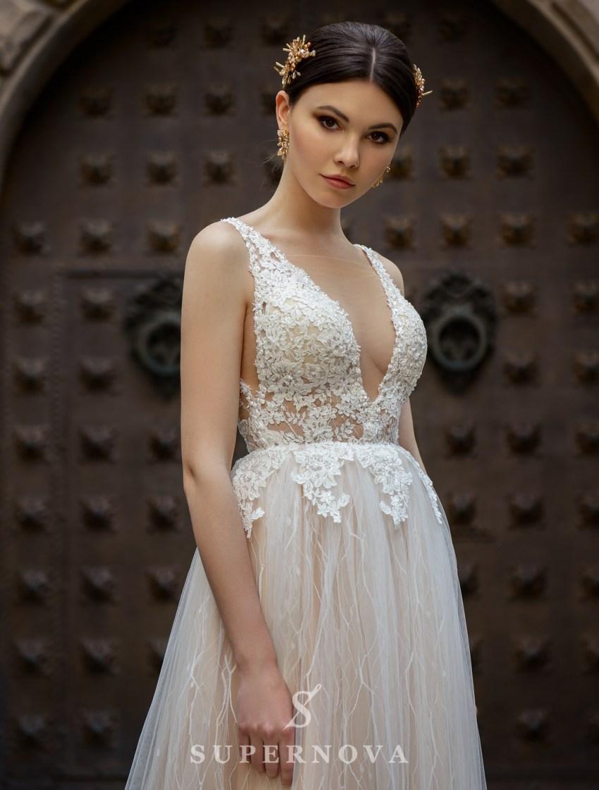 Rochie de mireasa cu o tăietură adâncă la SuperNova en-gros-3