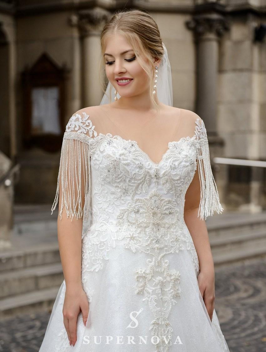 Весільна сукня з бахромою на рукавачиках великих розмірів оптом від SuperNova-2