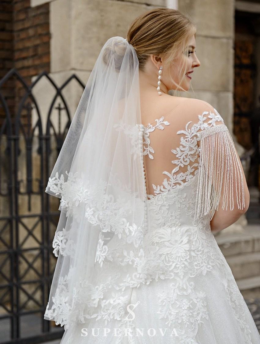 Весільна сукня з бахромою на рукавачиках великих розмірів оптом від SuperNova-3