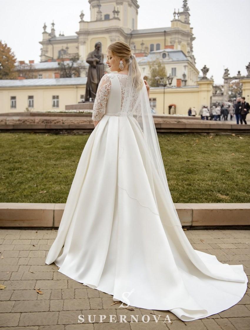 """Свадебное платье А-силуэта из ткани """"микадо"""" больших размеров оптом от SuperNova-3"""