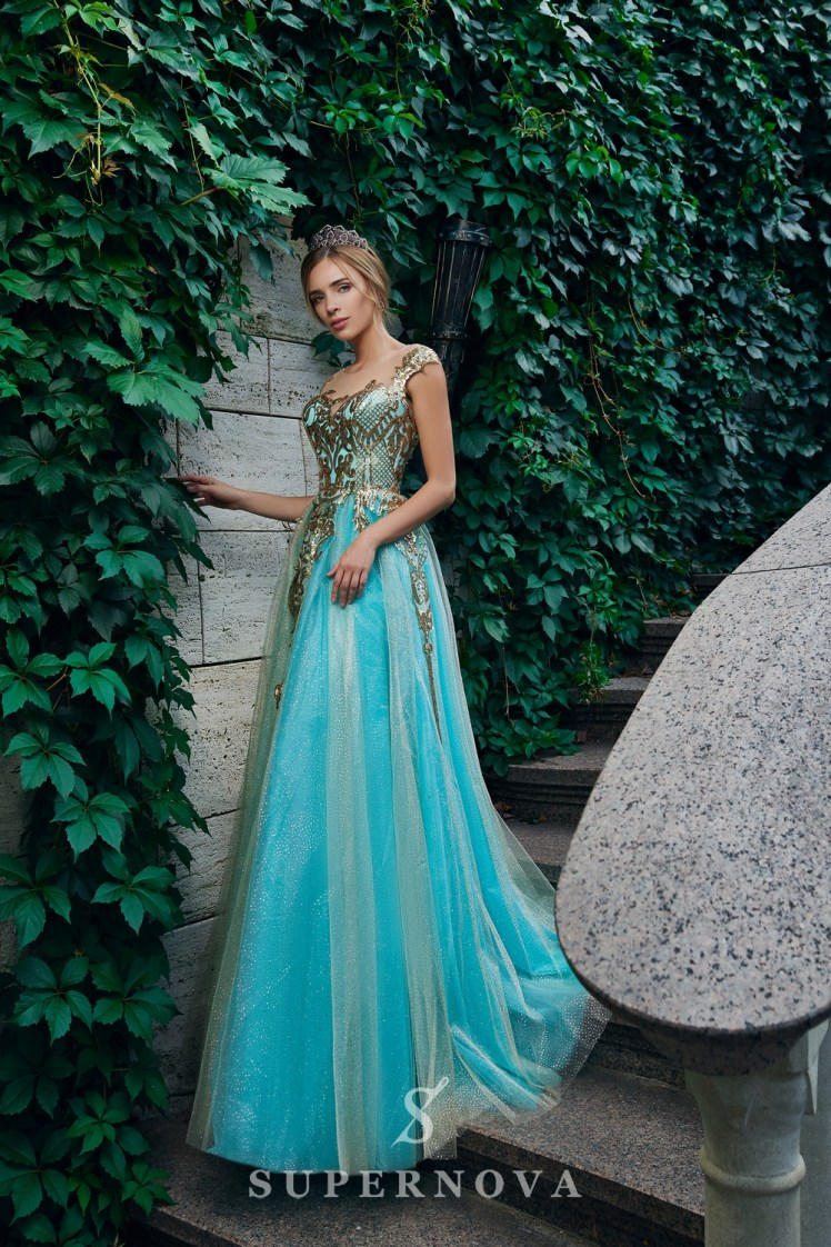 Evening dress with a gold glimmering corset and a lush skirt on wholesale. The Super Nova manufacturer.-2