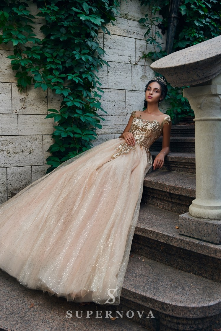 Evening dress with a gold glimmering corset and a lush skirt on wholesale. The Super Nova manufacturer.-3