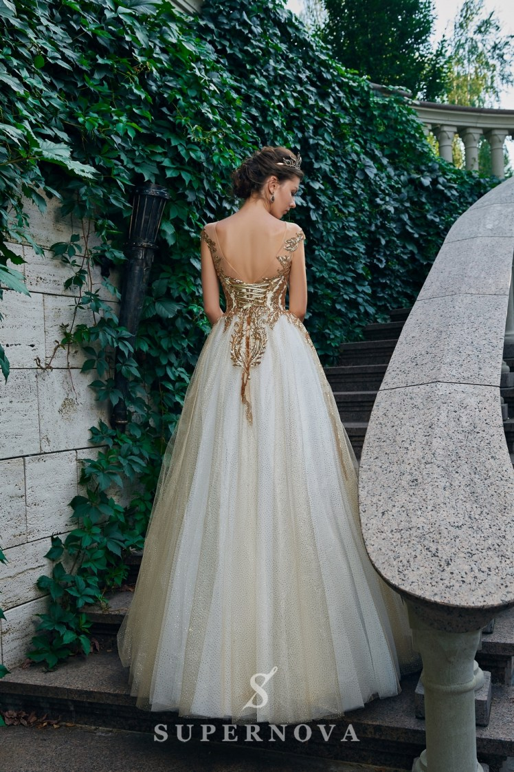 Evening dress with a gold glimmering corset and a lush skirt on wholesale. The Super Nova manufacturer.-4