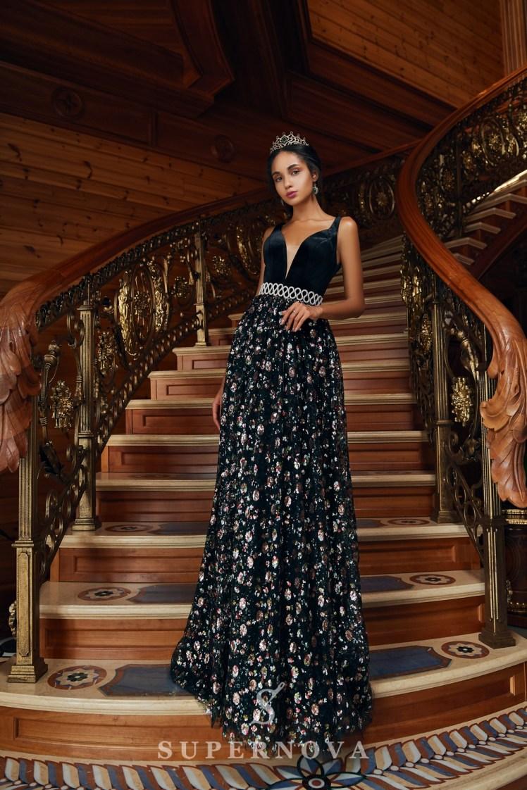 Rochia de seară cu corset de velur și cu fustă bufantă de la Super Nova-2