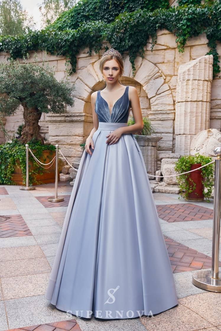 A one-color satin evening dress from the  Super Nova company.-3