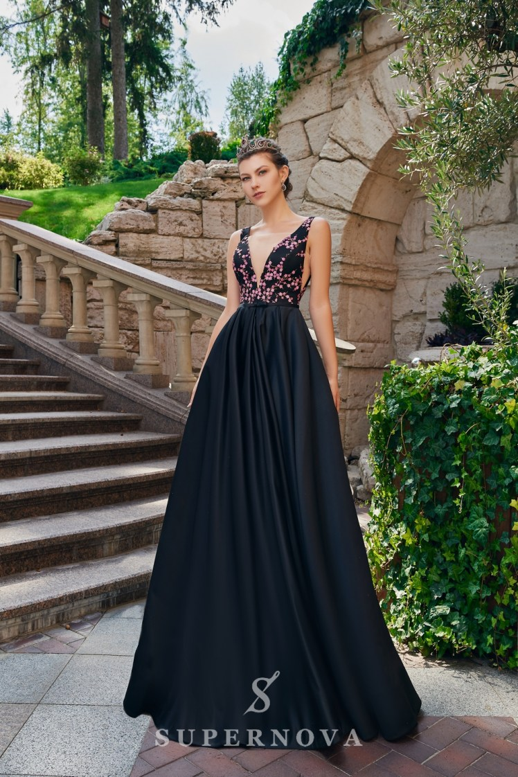 The satin evening dress on wholesale from the Super Nova. brand.-3