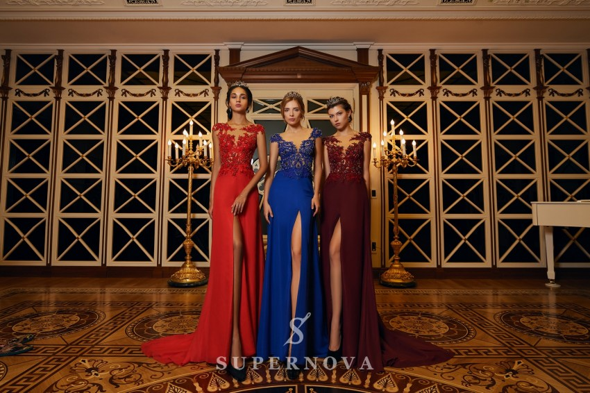 Evening dress with a slit and a lace corset on wholesale from Super Nova.-2